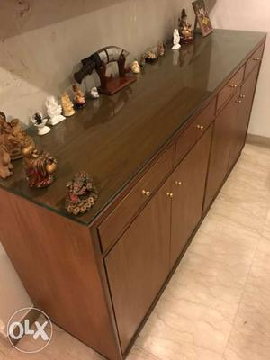7'x 1 1/2'x 3' cabinet euth drawers and shutters.