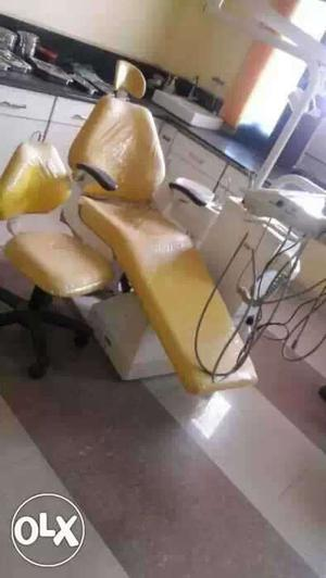 Complete dental setup with electronic chair, xray unit etc