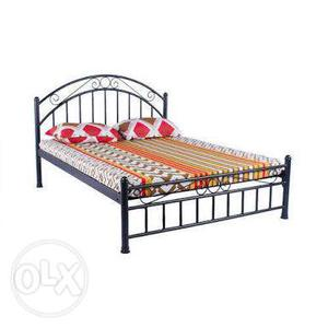 A wrought iron double bed in nice condition. 6x6