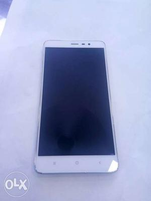 12 mnths used redmi mi note 3 2gb ram 16 gb