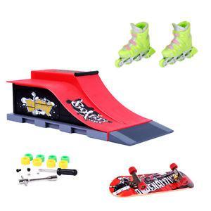 Finger Roller Skates with Mini Skateboard Ramp Finger