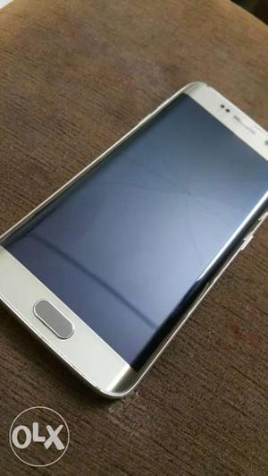 Samsung Galaxy S6 edge good condition and light
