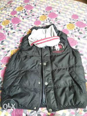 Black Button-up Bubble Vest jacket used twice only Max