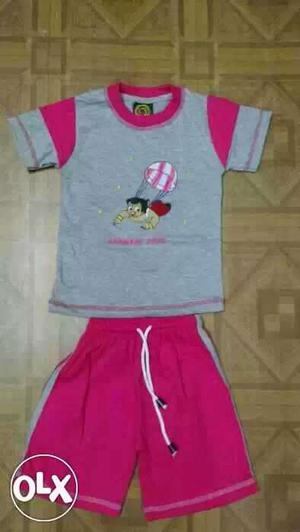Kidswear for boys and girls at reasonable rates.