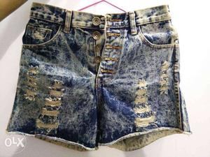 New Denim shorts for girls with size M... price can be