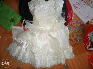 White Floral Neckline Sleeveless Flare Dress