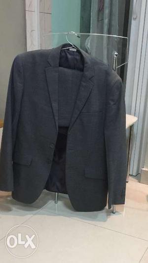 """Park Avenue brand new full Suit- 40""""- Meddium-"""