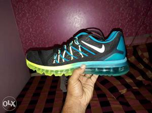 Black And Teal Nike AirMax shoes size 8