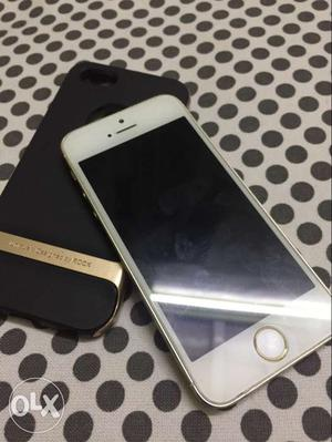 IPhone 5s gold 32gb for sale Good and clean