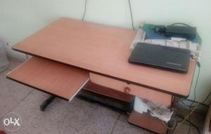 Computer table. In good condition. One drawer.
