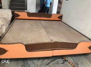 Double bed for sale made of Sesham wood in good