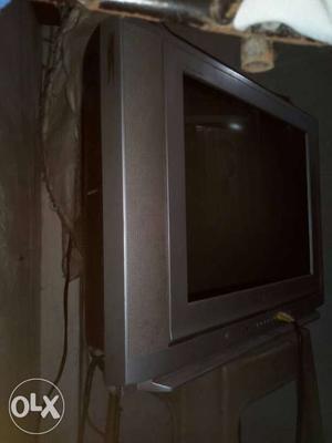LG Flatron TV Achcha condition mein hai