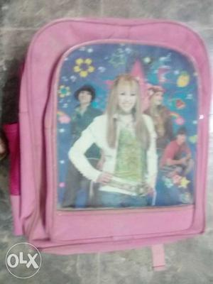 It is a bag for girls(pink), it has 4 chains