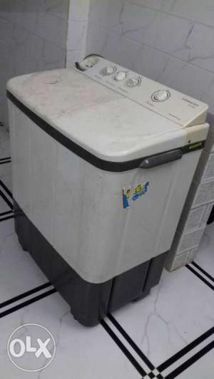 Videocon washing machine 6.8kg vry good condition