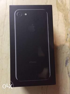I want to sell my iPhone 7 jet black 128gb full kit with