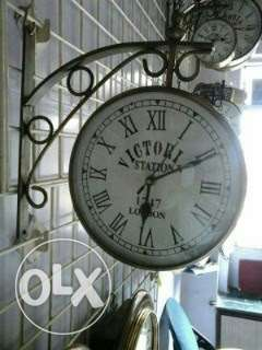 Antique type new victoria double side hanging clock
