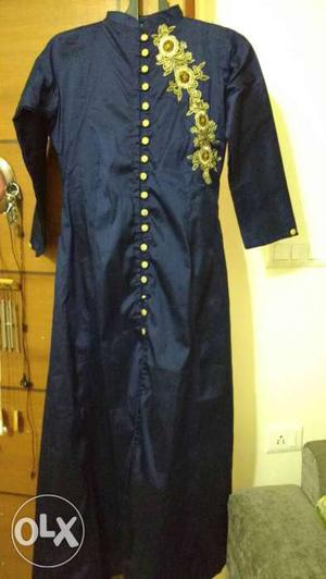 Navy blue,tussar material, Chinese collar with
