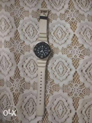 Round Black-faced Analog Watch With White Strap