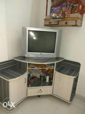 21 inches LG TV in excellent condition with