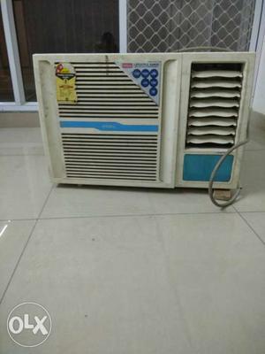3Year old windows AC for sale in Gaur City noida
