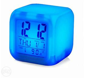 International clock Colour changing with date day
