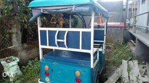 Jindal E-rickshaw blue colour 1 year old