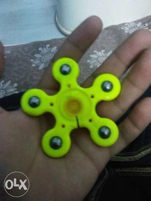 Green 5-bladed Fidget Spinner