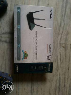 Black D-Link Wireless AC750 Dual Band Router Box