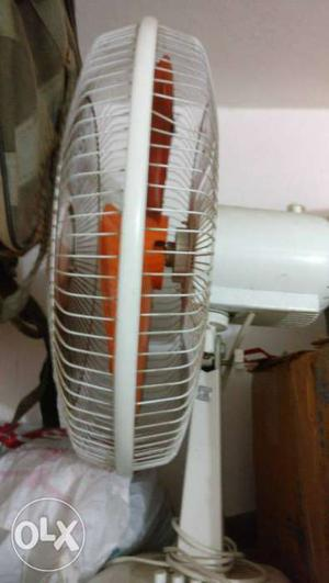 Great deal to buy table fan in just 900 Rs.