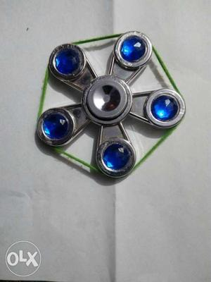 It is a five blad spinner and i can also put