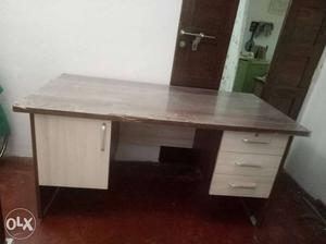 Brand new damro office table 5 x with drawers | Posot Class