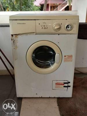 Electrolux 6.5 kg front load washing machine