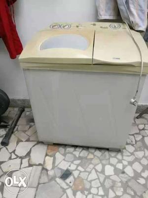 LG semi automatic washing machine 6.5 kg