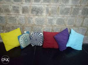 Set of 6 pillows. 4 big multicolored pillow 2