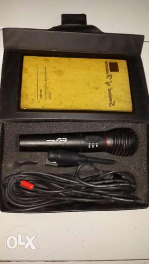 2 Sets of Dynamic Microphone WM-308 in immaculate condition