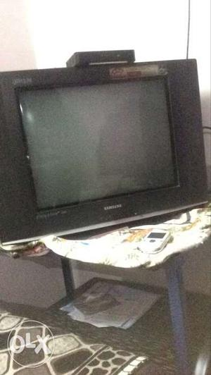"""4 star samsung TV 21"""" with very good condition."""