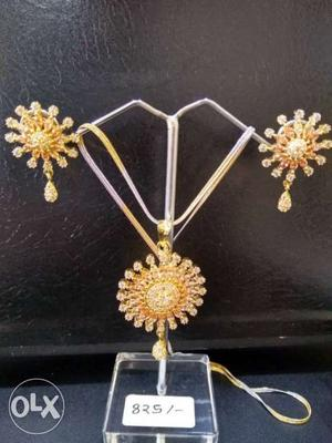 10% discount on American diamond gold plated pendent set now
