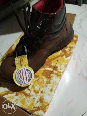 Brand new liberty safety shoes (08 no) (leather)