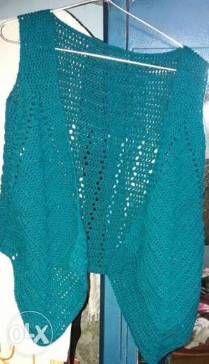 Crochet hem pointed vest