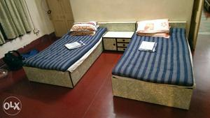 2 Single Beds with Storage Space/ Mattress/ Pillow