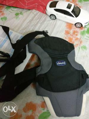 Chicco carrier for new born 3-9 kg used only