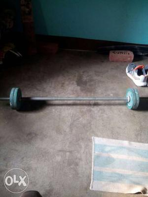 8 plate of 2.5 kg 1 bench rod and 2 small rod