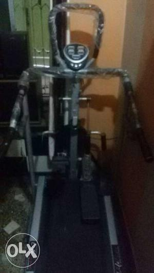 Almost unused this 5 in 1 manual treadmill of