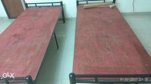Single beds (2) (steel)
