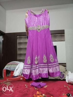 2 party wear dresses v gud condition je chaide