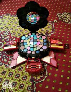 Dubai Imported Awesome Makeup Box