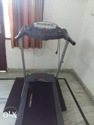Gym treadmill in nice condition for weight loss