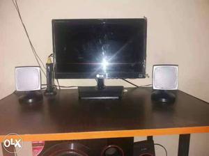 LG Flatron LED 15 inch monitor/TV new like