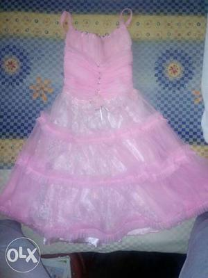 A wonderful and beautiful dress for little girls.