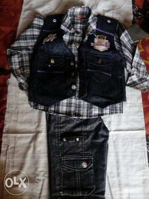 Dress for 3-4 yr boy for rs800 each. 3 Three pc